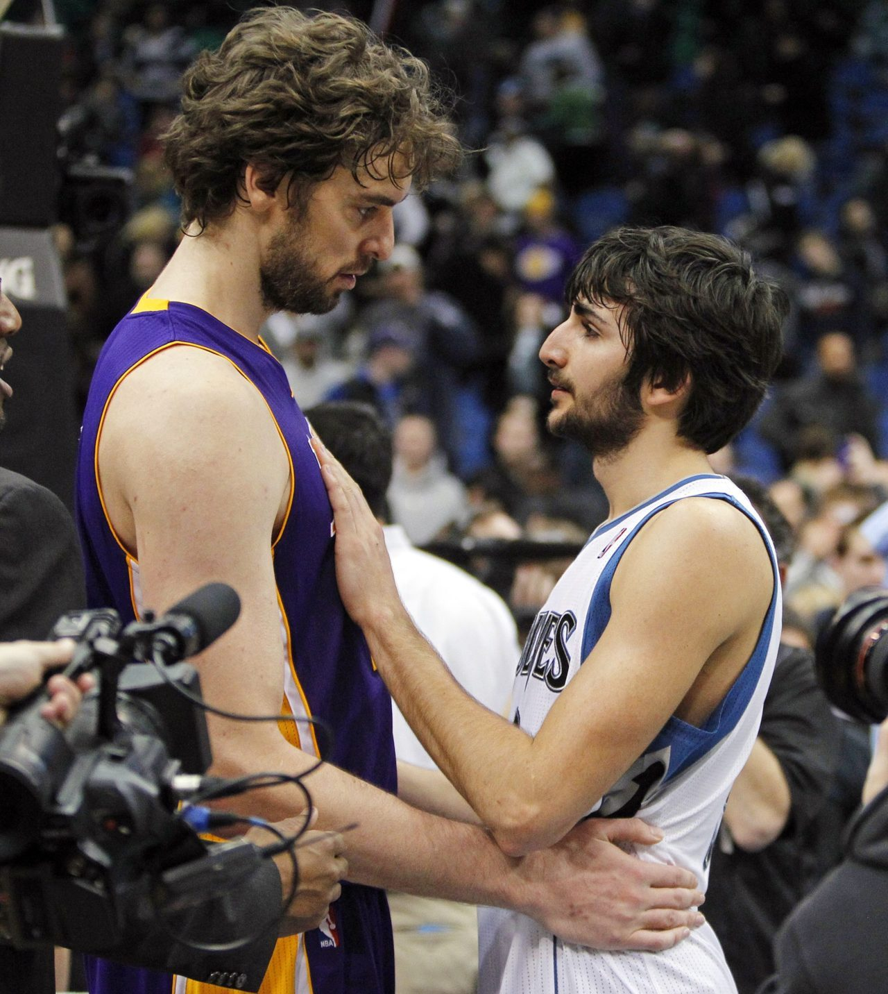 Pau and Ricky Rubio find LOVE in a hopeless place. And it isn't Kevin Love. -Happy Valentine's Day from PASSION of the Pau! [Photo submitted by Paybackisagrandmother]