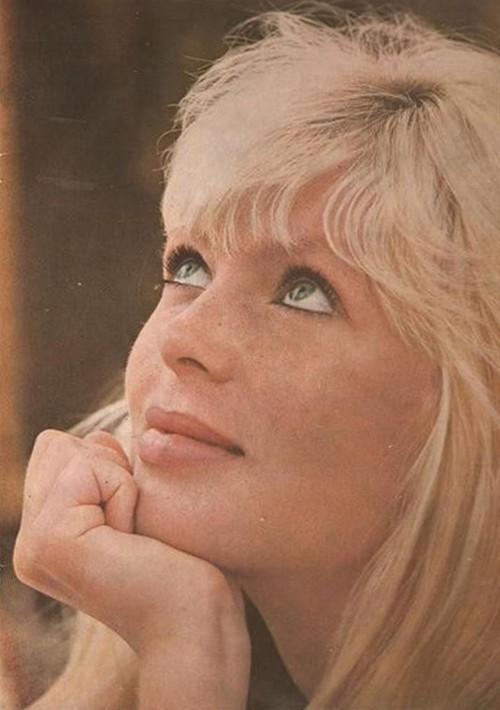 theswingingsixties:  Nico
