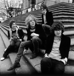 blancamagnifique:  The Kooks <3