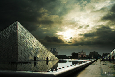 HDR at Le Louvre by MelineWaxx on Flickr.