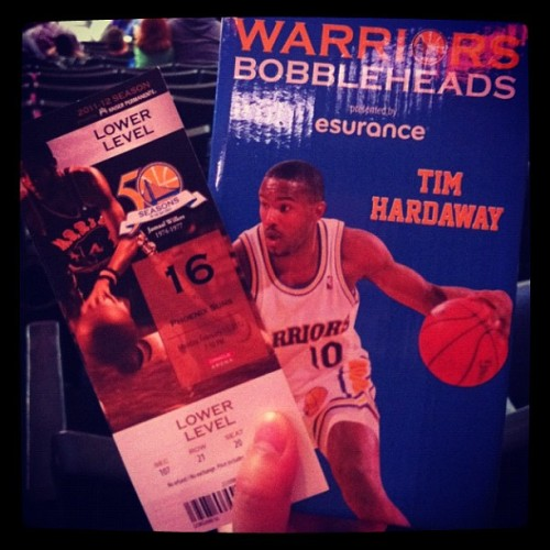 Came in at 6:45 and got a bobblehead. Plus the win. Go #warriors! #timhardaway (Taken with Instagram at Oracle Arena)