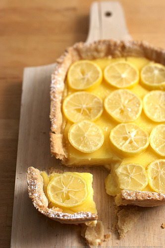 thenommables:  citrus curd tart (by Lara Ferroni)