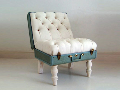 thingsrecycledusefully:  Suitcase chair via:  thiswillbedust