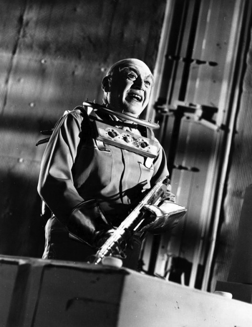 Otto Preminger as Mr Freeze.