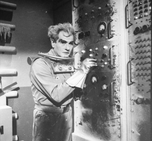 Eli Wallach as Mr Freeze.