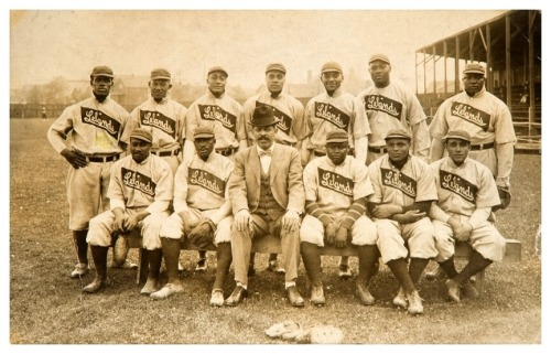 ca. 1907-10 Chicago Lelands Giants Team