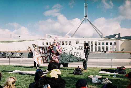 dearvalkyrie:  ISGD rally at parliament house (by c a i tlin)