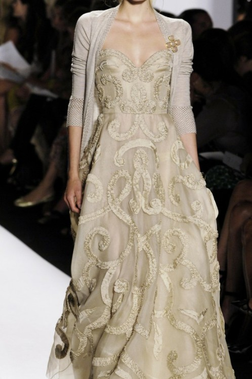 2012 and I really love this. bride2be:  Oscar de la Renta Spring 2006