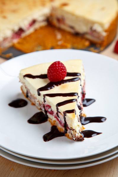 Raspberry and Dark Chocolate Cheesecake by Kevin - Closet Cooking on Flickr.