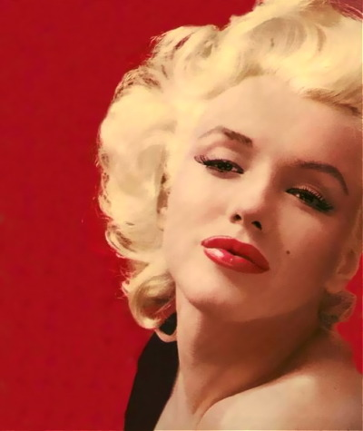hollyhocksandtulips:  Marilyn Photo by Milton Greene