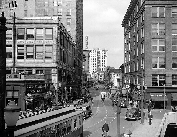 1935 view of Peachtree Street at Wall Street.  View Larger Map