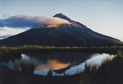 Sunset Mt Taranaki by nigelt46 on Flickr.