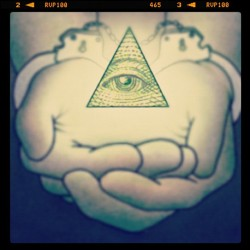 Illuminati takes mind soul and body. #illuminati #conspiracy #freedom #politics #obama #music #media #anonymous (Taken with instagram)