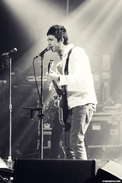 riannedolfing:  Noel Gallagher's High Flying Birds, 30.11.2011 Melkweg Amsterdam. More photos at Flickr.