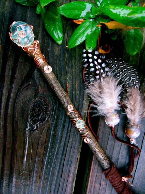 eirecrescent:  Healing Faery Orb Wand- -I just made this and I can't stop gazing at it… see more pics *here*  Oh my goodness….A fluorite wand!