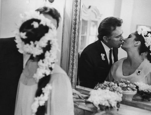 fuckyeah60sfashion:  Elizabeth Taylor & Richard Burton's wedding day. March 15, 1964.
