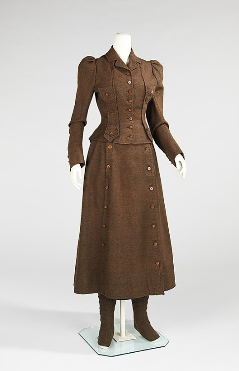 Front View Cycling suit 1896-98 Met