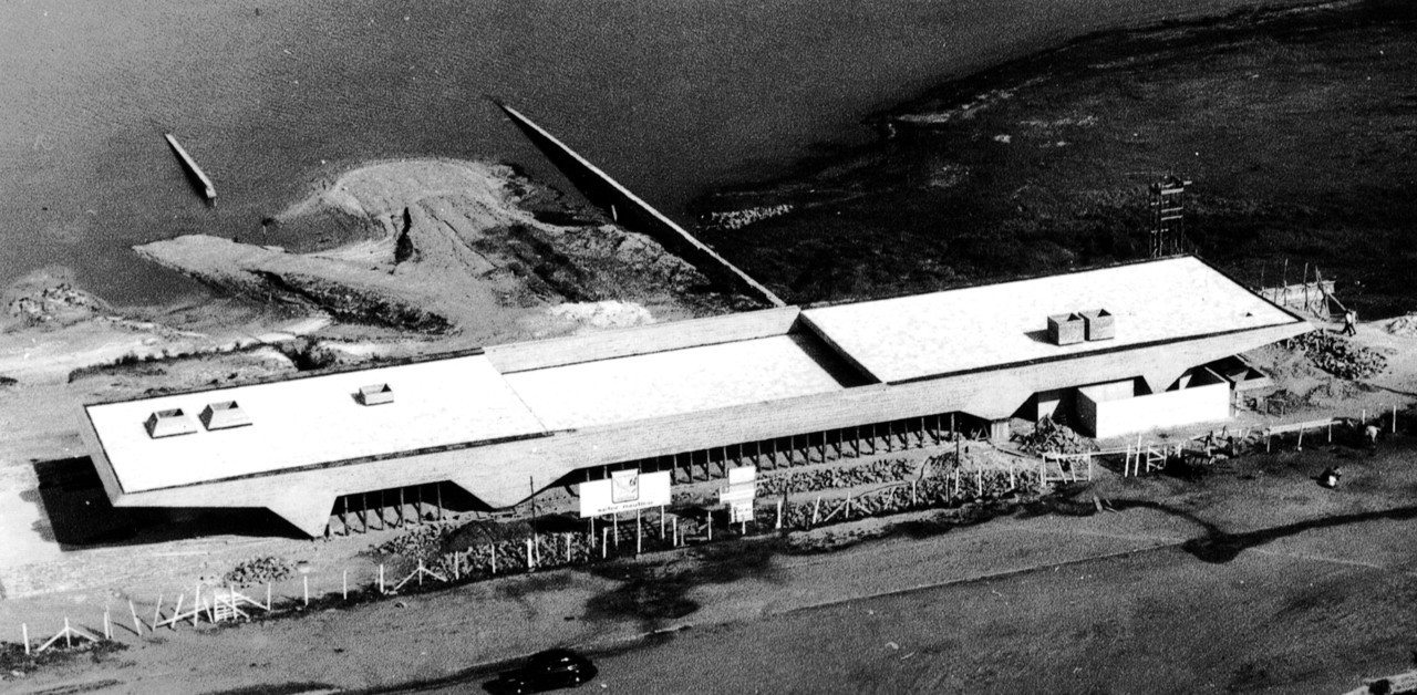 Boathouse for Santa Paula Yacht Club, São Paulo, Brazil, 1961 (Vilanova Artigas and Carlos Cascaldi)