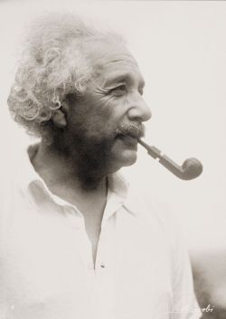 missfolly:  Lotte Jacobi: Albert Einstein, 1938