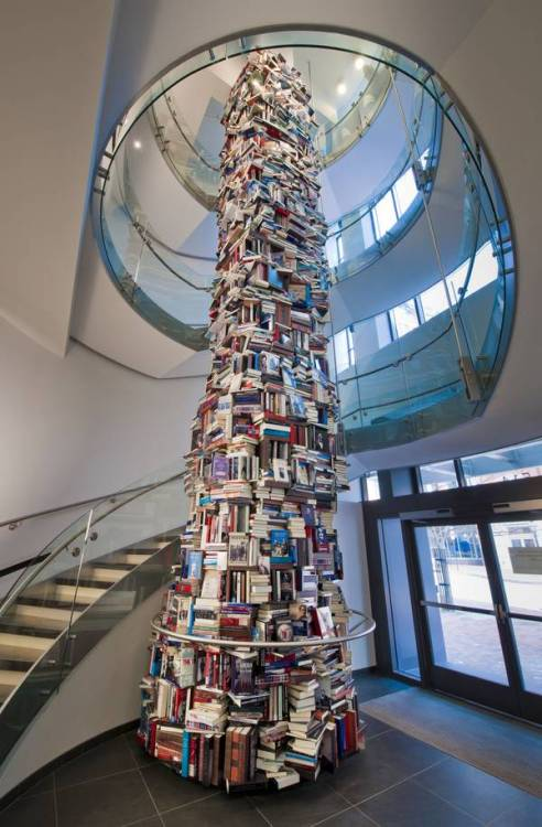 srtmnt:  34-foot tower of books