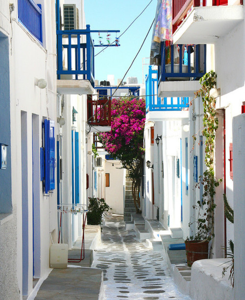 brjudge:  Could anyone honestly not love Mykonos? Honestly, is it possible?
