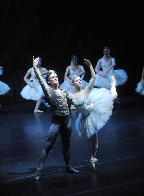 thedailyballet:  Angel Corella and Alina Cojocaru in La Bayadère. Photo (c) A. Bofill.