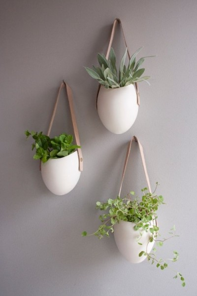 designtraveller:  Porcelain and Leather Hanging Containers by Fashioned By