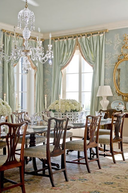So luxurious and elegant. Love the green and blue color palette. The chairs are really nice too. Follow CollegeGuyDesign if you like things like this showing up on your dash! dyingofcute:  luxury dining room