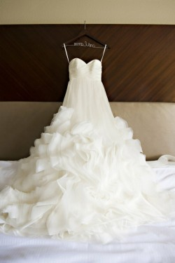sunsetpink:  i think i want my future wedding dress to be strapless