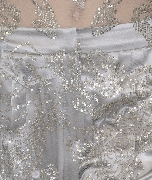 etudiantdebeaute:  lavandula:  alexander mcqueen spring/summer 2007  It's so beautiful!