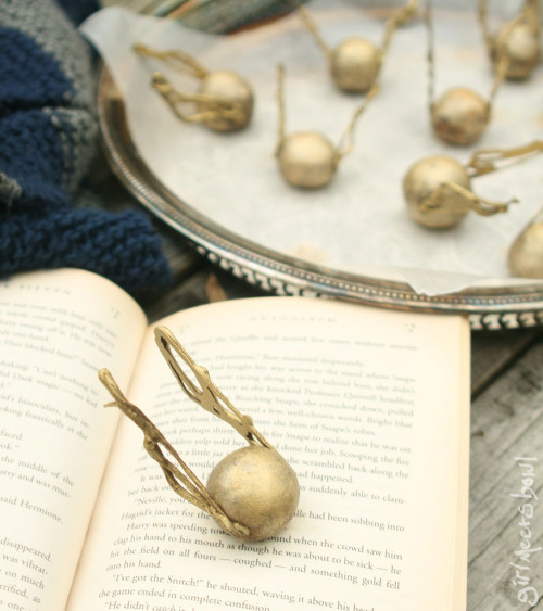 poodforn:  Golden Snitch Truffles combine Harry Potter AND chocolate. Photo step-by-step for making them.