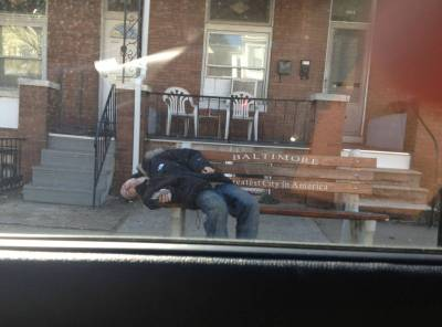 citythatbreeds:  The Greatest City in America (to take a heroin nap) - Imgur