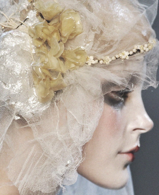 lavandula:  jessica stam at john galliano autumn/winter 2009-2010