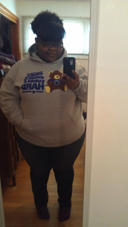iambeeautiful:  My Dormtainment Cuddle Hard hoodie finally arrived..it's nice and cozy :)