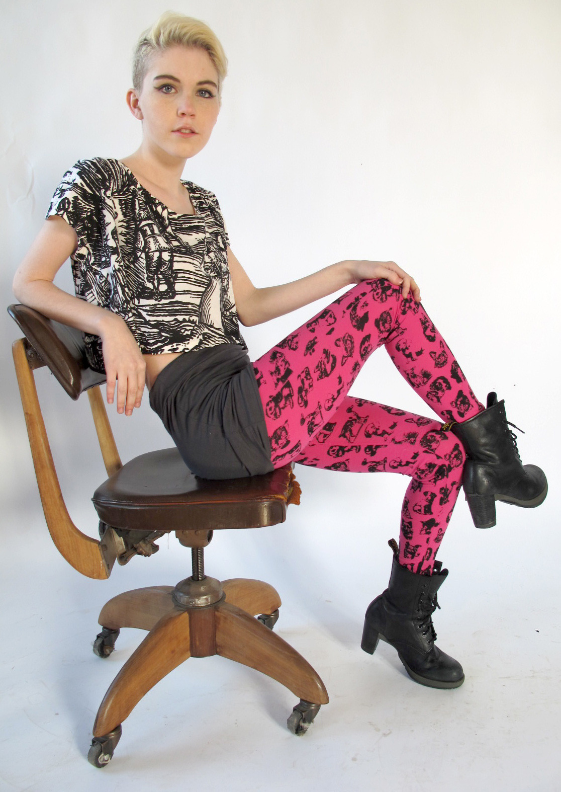 the Pretty Snake summer look! witch crop top tee and puppy leggings :) http://www.etsy.com/shop/PrettySnake