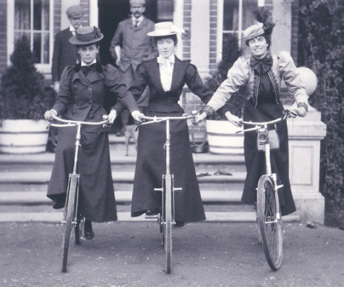 Women on bicycles 1898 V&A