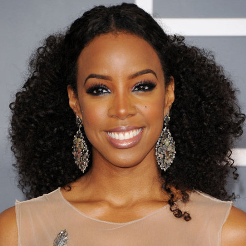 Kelly Rowland rocking a natural hair style at the Grammy's. I love this look!