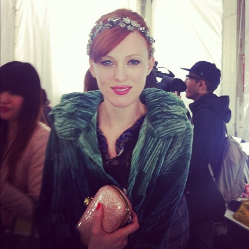 "officialstyledotcom:  Karen Elson in ""head-to-toe Anna w/ an Erickson Beamon headband"" backstage at A Sui! CE (Taken with instagram)  so perfect"