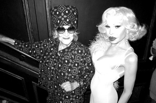 RIP Zelda Kaplan (left, obvs), insane socialite, philanthropist, activist, and bad bitch who decided at like age 85 she needed to start going to EVERY PARTY and then DID THAT.  This Q&A with her says it all:  When's bedtime? Anytime between midnight and 7 a.m.   Which do you prefer, the old Times Square or the new Times Square? I haven't seen the new Times Square.