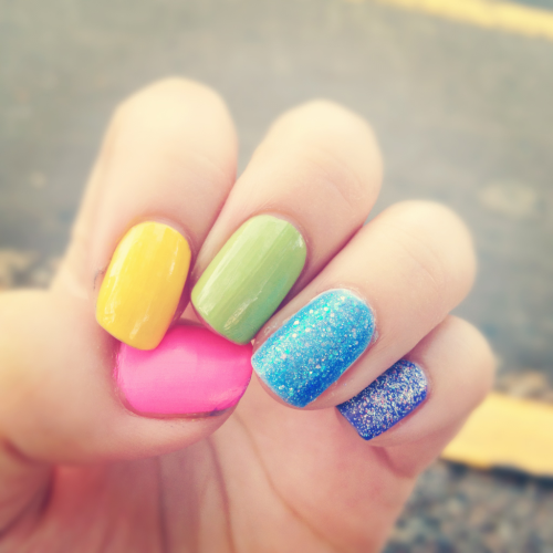 My rainbow nails :p