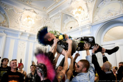 dont-lose-touch:  Punk wedding