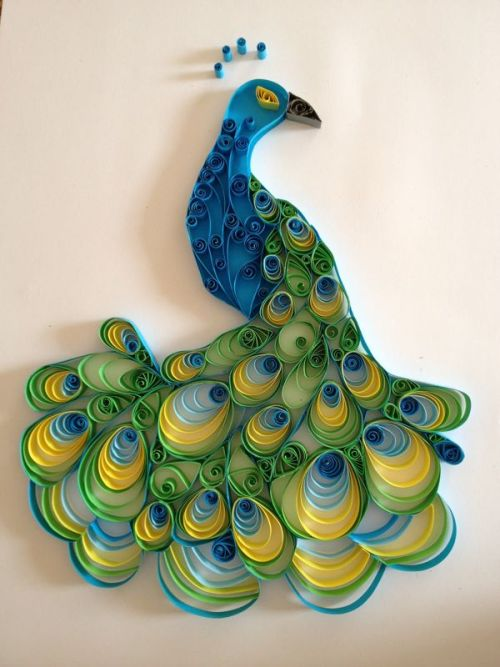 eatsleepdraw:  Paper quilled peacock. Check my tumblr for more :)
