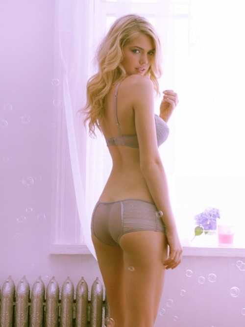 fuckoff-kindly:  kate upton.