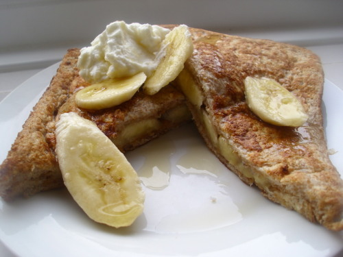make-it-a-lifestyle:  Peanut butter & banana french toast for breakfast 2 slices of wholemeal bread - 140 egg white - 20 25ml of Kara coconut milk - 7 half a teaspoon of cinnamon - 3 half a teaspoon of almond extract - 6 15g of peanut butter - 90 banana - 100 5g of maple syrup - 14 25g of 0% fat Greek yogurt - 15 395 calories… i actually tried making a 400+ calorie breakfast so I'm a little bit disappointed with the number but oh well this tasted great so its not all bad.