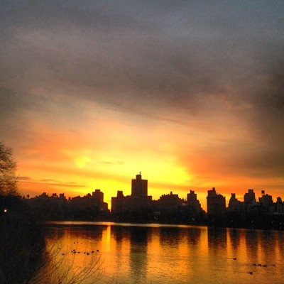 Looking east. #nyc #reservoir #centralpark #sky #sunrise #morning (Taken with Instagram at Central Park - Reservoir - North Gate)