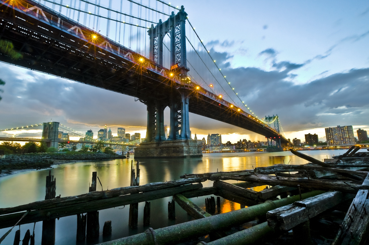 Manhattan bridge at sunset, Brooklyn, NY