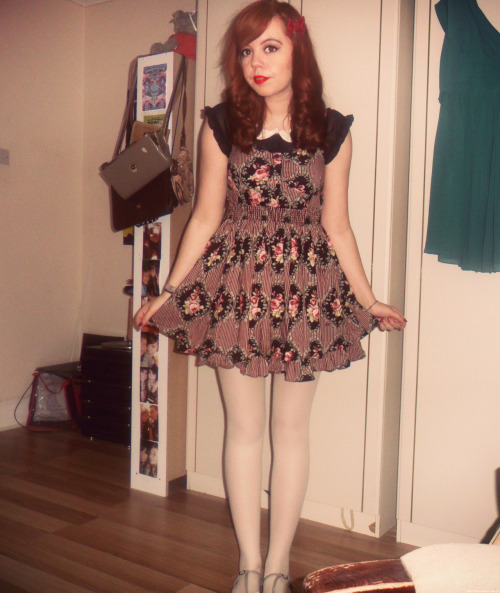 shedontuse-jelly:  Todays outfit!   Gosh i look so young here…