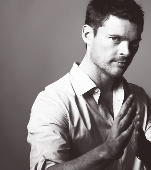 l-o-t-r:  Karl Urban Photo Shoot