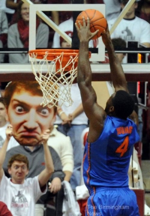 collegehumor:   Heads Up Move by Creepy Basketball Fan   He'll make you wish you were never scorin'.