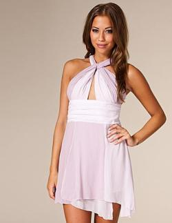 This is the dress that I'm gonna wear when I graduate (Tar studenten)! Isn't it pretty? :>